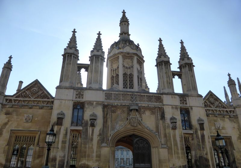 kings college gatehouse cambridge
